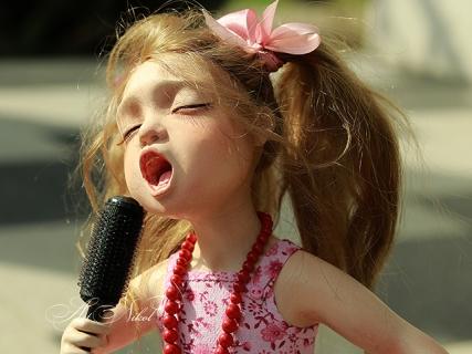Лялька Співачка