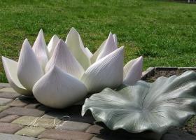 Garden sculpture Lotus