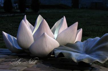Садова скульптура Лотос - Artnikol